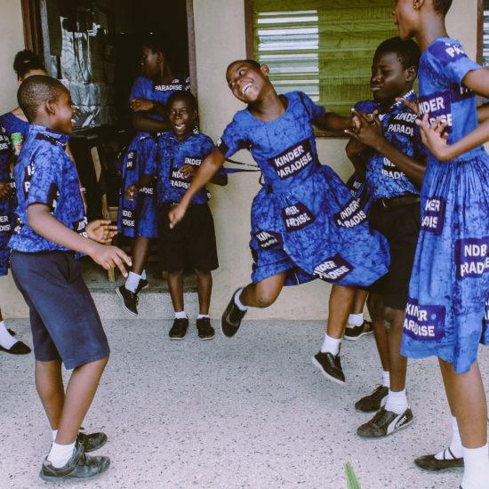 Schule Spende Afrika Kinder Paradise