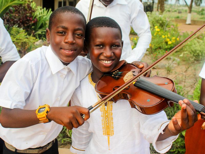 Instrumente-Afrika-Kinder-Paradise